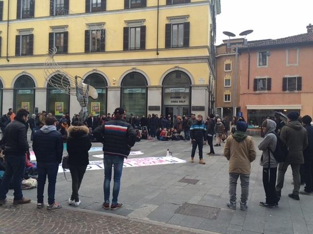 Studenti in piazza: