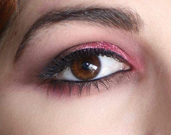 Occhi marroni e nocciola? Parola d'ordine: osare con i colori!