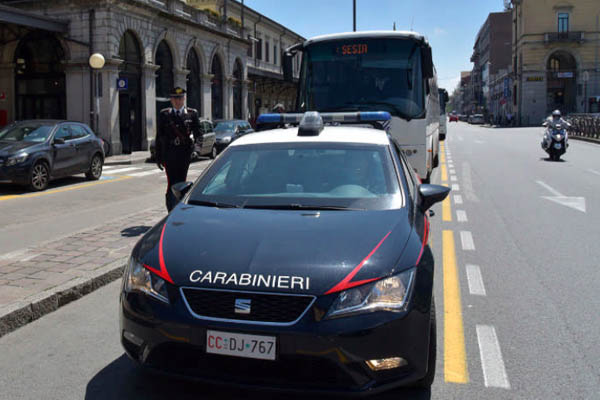 Ricercato da due mesi in tutta Italia per furto, lesioni e minacce: arrestato ad Oleggio