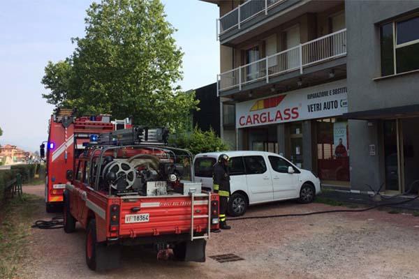 Cabina elettrica in fiamme a Dormelletto: intervengono i Vigili del fuoco