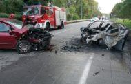 Frontale con 4 feriti e un'auto in fiamme sul ponte del Ticino