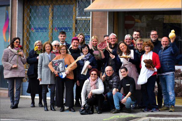 negozi aperti venerdì viale roma novara