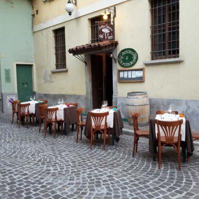 Il centro di Novara diventa un ristorante sotto le stelle