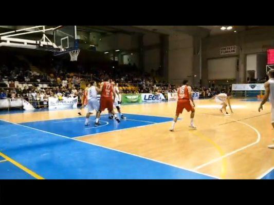 Basket serie B. Omegna beffata, Oleggio che mazzata!
