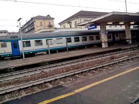 Carrozze chiuse e inaccessibili sulla Torino - Milano: treni nel mirino dei pendolari