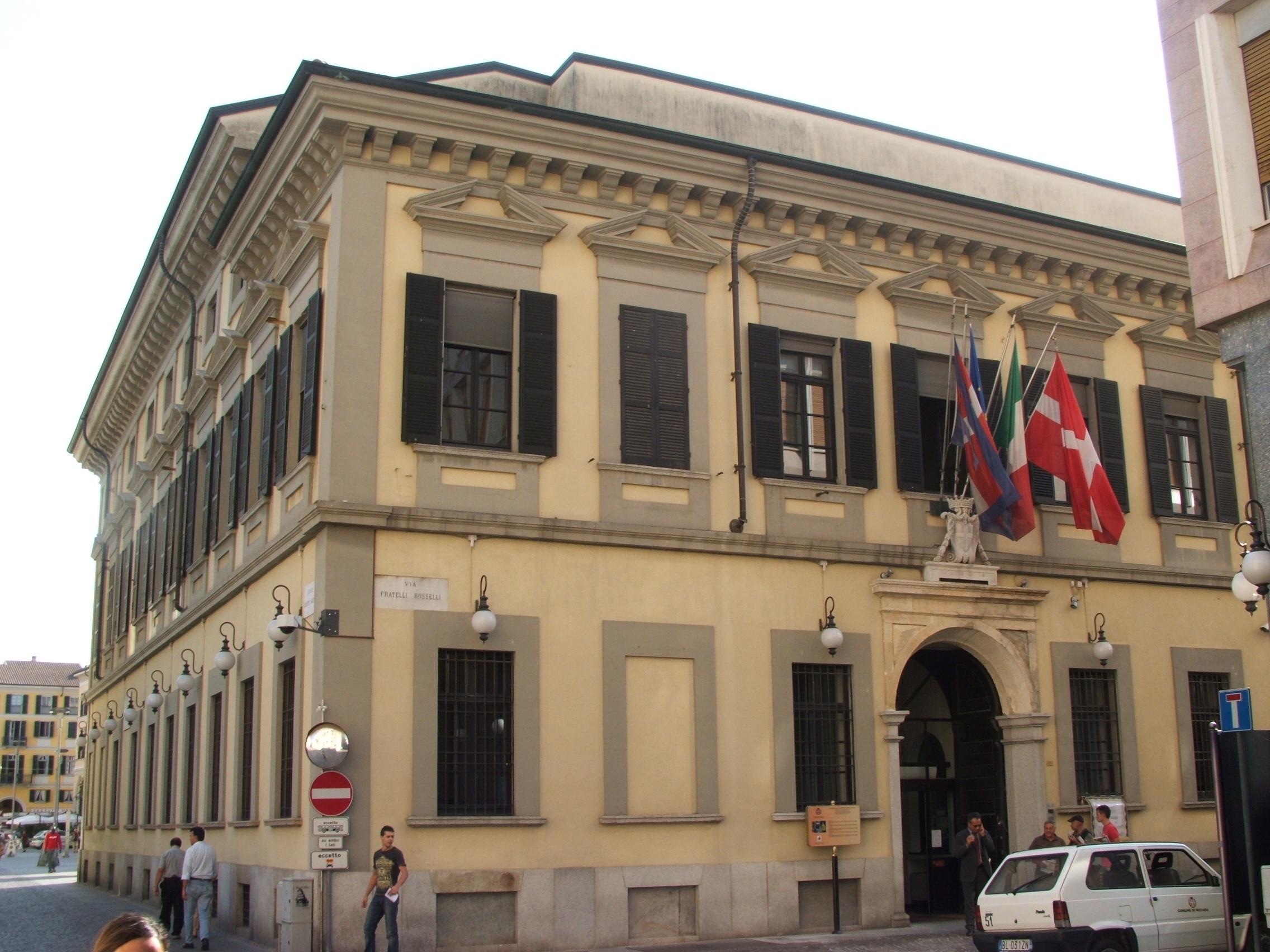 La Lega Nord interroga Sindaco e assessore sull'affidamento della caffetteria Broletto