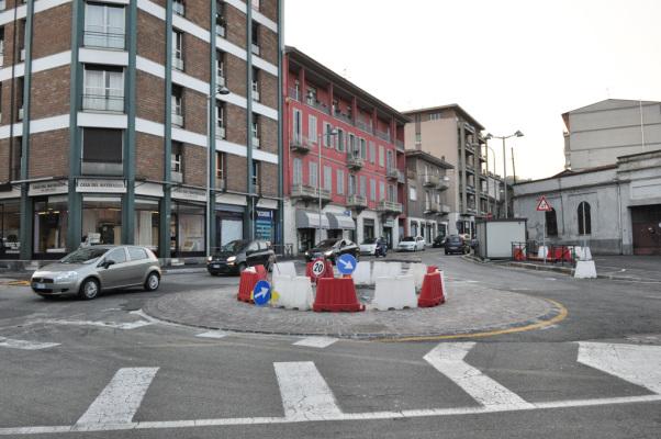 Rotonda Arona via Milano