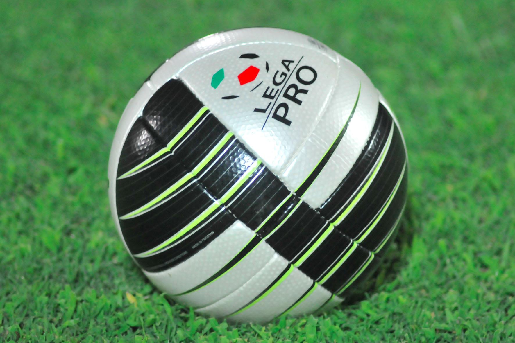 Novara fermo al palo con l'Albinoleffe: 0-0 deludente