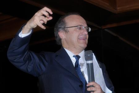 Maurizio Comoli (via Novaralionsticino)