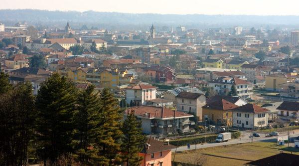 Incendio a Fontaneto: brucia una canna fumaria