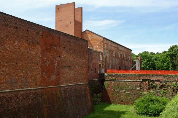 """Dieci """"micro cantieri"""" per le mura del Castello"""
