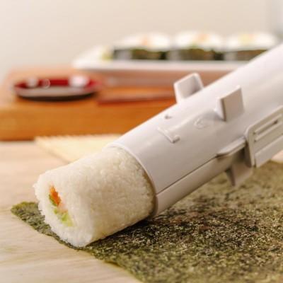 sushi bazooka via troppotogo