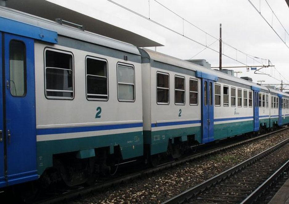 Quindicenne muore travolta dal treno: disagi sulla Torino-Milano