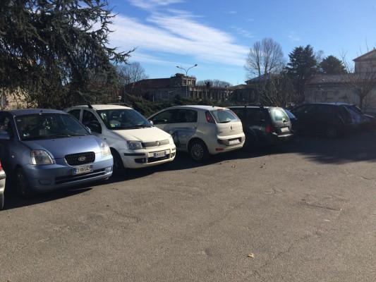 parcheggio libero liceo