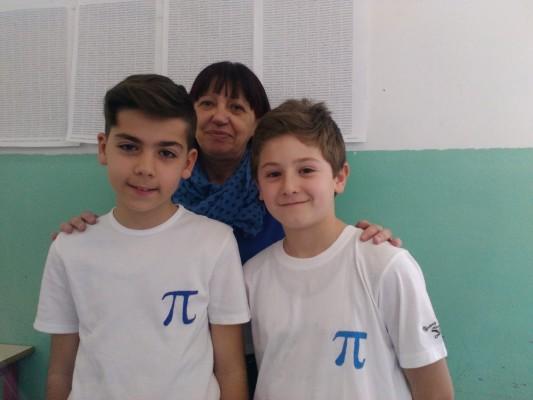 Mattia Coronetti, la maestra Carla De Michelis e Alessandro Lionetti