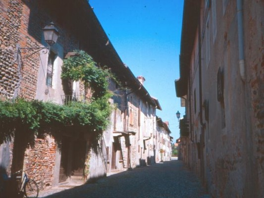 Castello-Ricetto-di-Ghemme-(2)