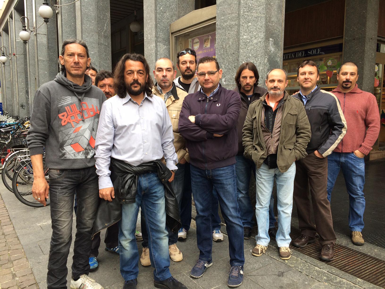 «Ci hanno presi in giro. E la città ci sta dimenticando»: paure, emozioni e storie di ex lavoratori De Agostini