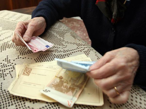 Truffe agli anziani: undici polacchi di etnia rom in manette