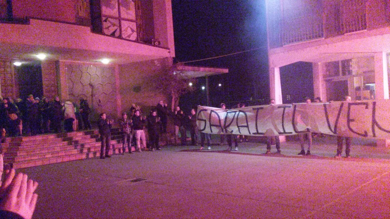 I tifosi e gli amici alla messa per Andrea Gennari a Santa Rita :