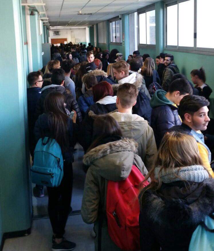 Venerdì assemblea al Mossotti sui problemi della scuola: si prepara la