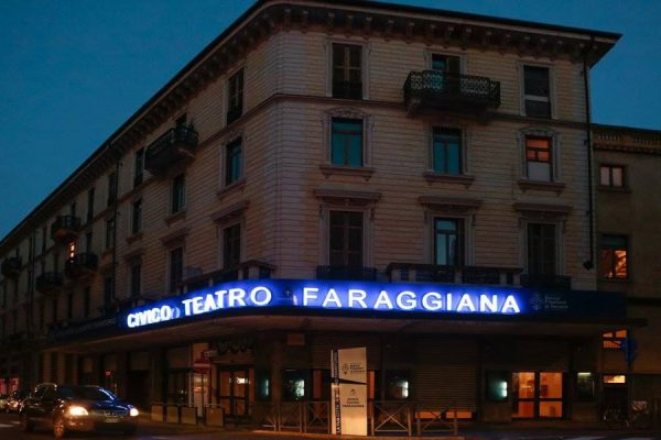Letture al buio mercoledì al teatro Faraggiana