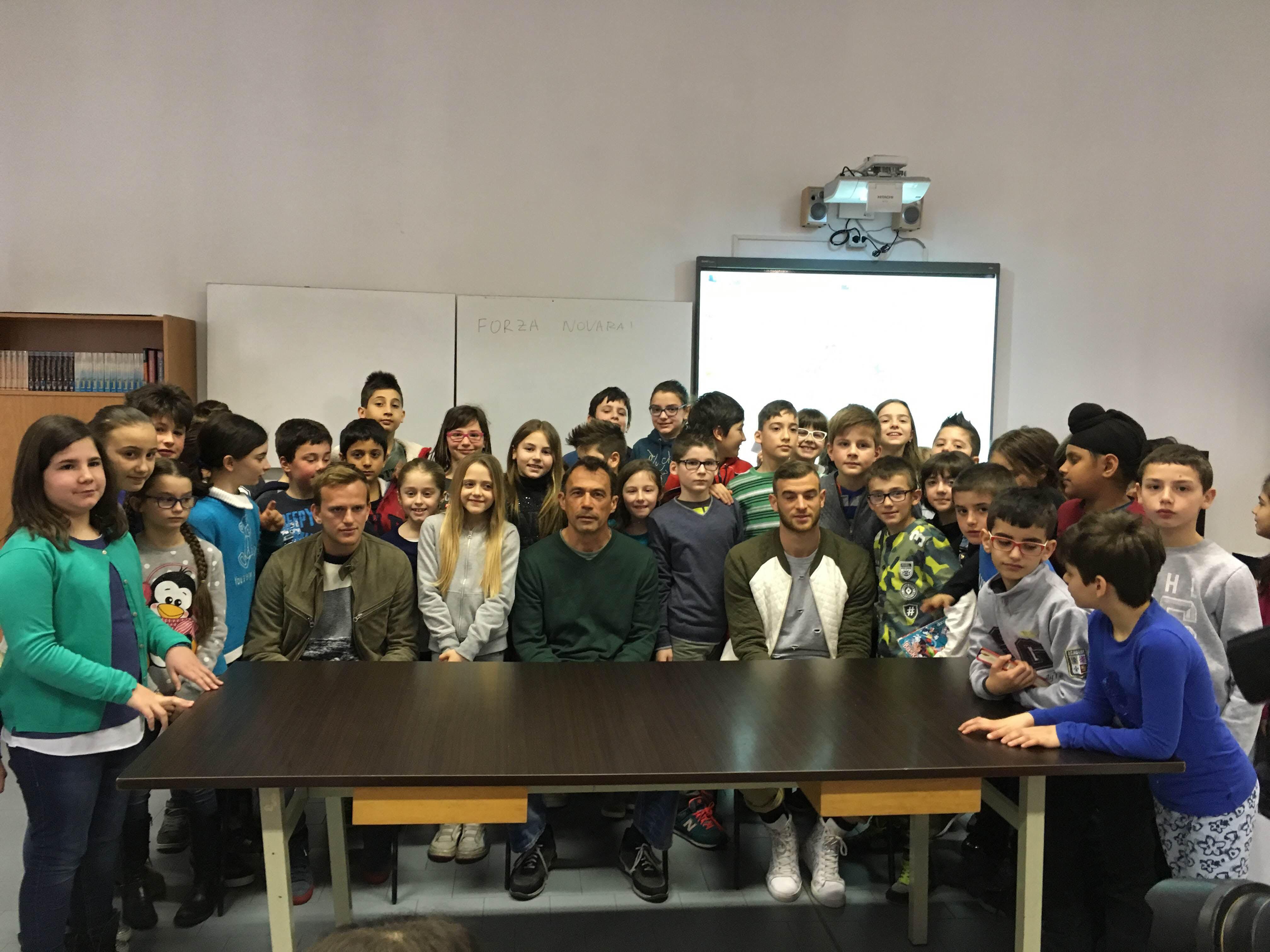 Oleggio: gli studenti della Maraschi incontrano gli azzurri del Novara calcio
