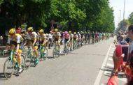 Il Giro d'Italia passa da Novara: video e fotogallery