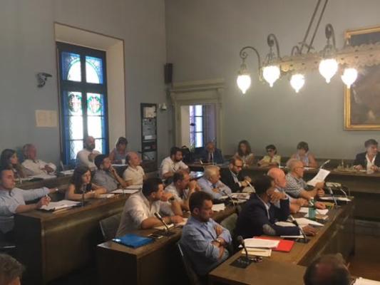 Consiglio Comunale a Novara. Protesta delle opposizioni