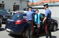 Apre l'auto e ci trova dentro un ladro. 22enne eritreo arrestato dai Carabinieri