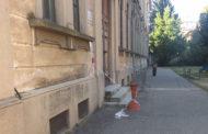 Alla scuola Thouar, ri...cadono calcinacci dal cornicione