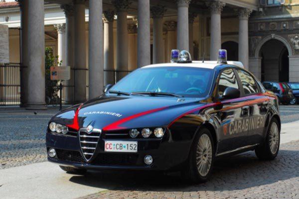 anziano derubato garage Carabinieri ladro 18 anni Novara