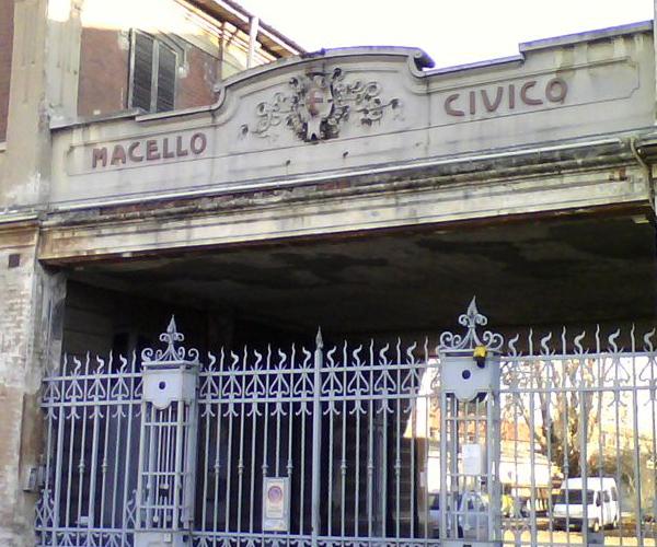 Sgomberati gli abusivi all\'ex macello di Novara: 5 ...