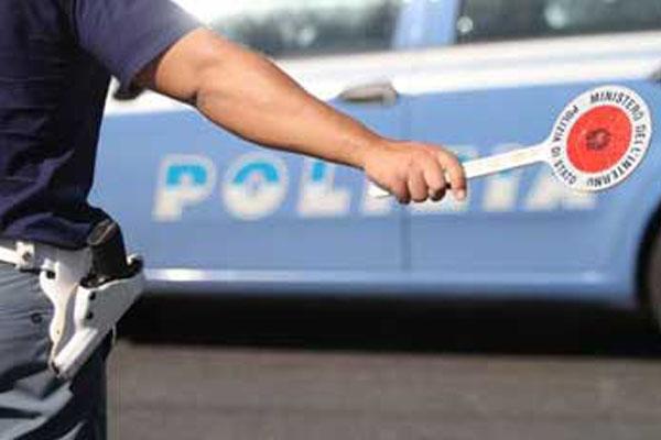 Castelletto Ticino, si oppone all'identificazione e morde un agente