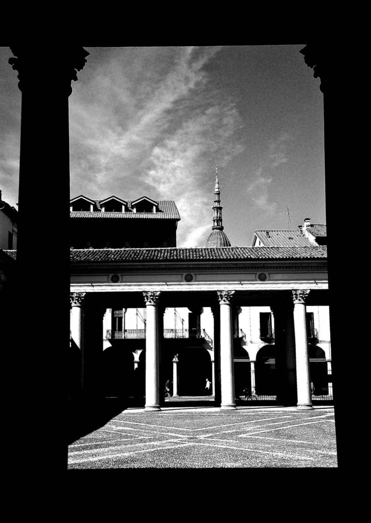 Luci ed ombre in un gioco magico catturato dal nostro lettore Domenico Castano