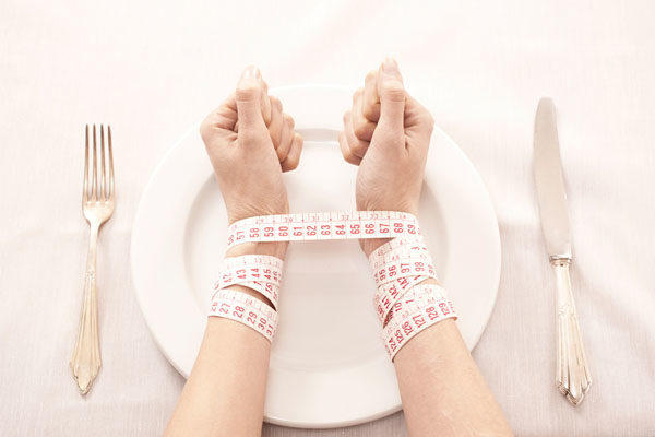 Risultati immagini per anoressia 600x400