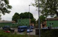 Blitz della Polizia al Quinto Magazzino: 10 stranieri portati in Questura