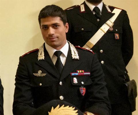 Il Tenente Calabria saluta Novara