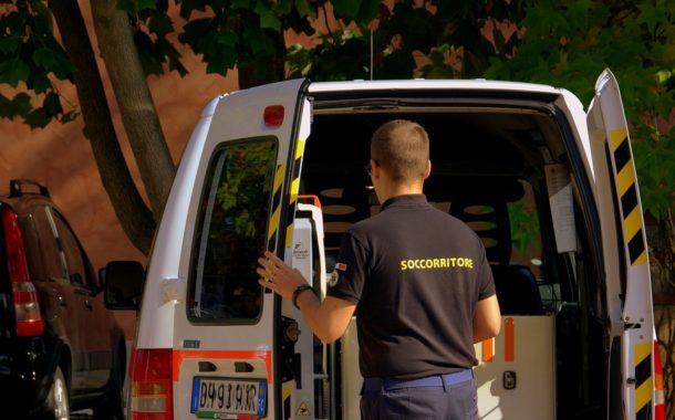 Travolto e ucciso dal camion della nettezza urbana a Castelletto Ticino