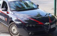 Cameri, aggredisce moglie e figlia e minaccia i carabinieri: arrestato 50enne