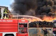 Incendio alla Eredi Bertè di Mortara: Arpa conferma «cessato allarme»