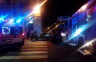 Con l'auto sfonda la fiancata: 2 feriti