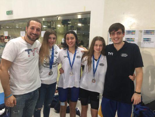 Super Libertas Novara ai regionali di nuoto: 14 medaglie che valgono l'8° posto assoluto