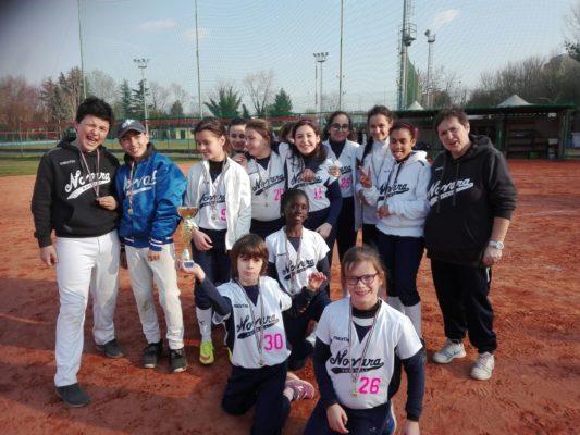 Primo posto a Rescaldina per il minibaseball nel Torneo Rimoldi, mentre le giovani under 13 colgono un buon 4° posto a Bollate e la squadra under 21 di softball fa i suoi primi passi in amichevole a Sannazaro.  E' stato un week-end ricco di impegni per il Baseball Novara