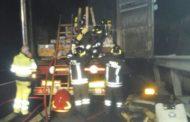 Camion in fiamme a Novara Est - Le immagini