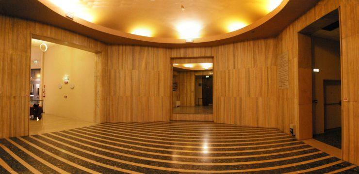 Crowdfunding per il nuovo foyer del Faraggiana. Le foto del progetto di trasformazione