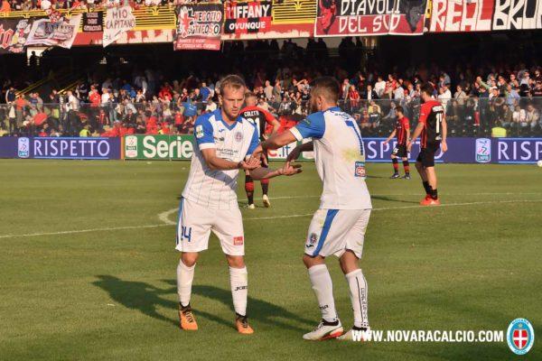 Con una difesa obbligata, il Novara stasera nella tana del Bari con l'imperativo di fare punti