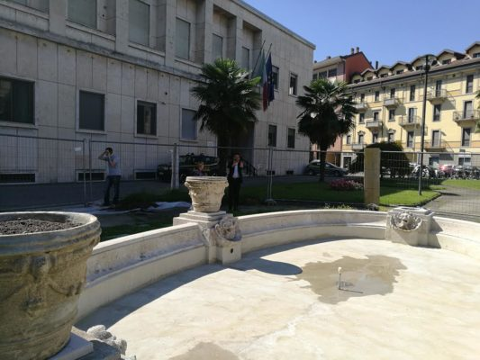 lavori fontana piazza del Popolo Novara