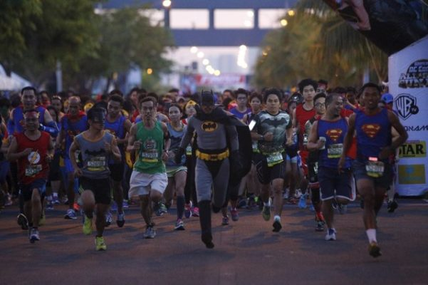 #SG13-day6: Novara indossa il costume e corre alla Super-Hero Run