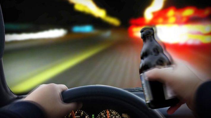 Zigzagando fra le corsie; 5 patenti ritirate dopo l'alcool test