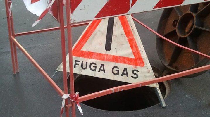 Rilevante fuga di gas, gente scesa in strada nella notte a Borgomanero